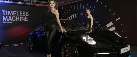 Kreativni koncept dostojan bezvremenskog modela automobila – Predstavljanje nove Porsche 911 Carrere